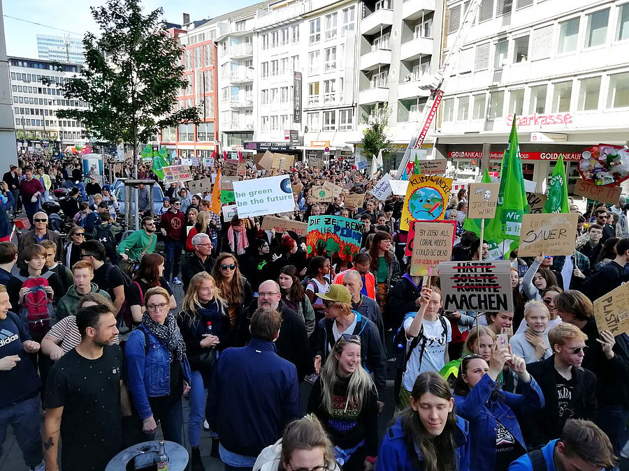 The Düsseldorf-based architecture firm greeen! architects participated in the global climate strike Fridays for Future