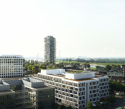 Study by Düsseldorf based architect firm greeen! architects for a mixed-use high-rise building in Düsseldorf